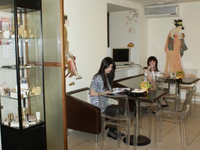 Кафе в салоне