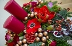 Стоимость композиции с вазой - 12000 рублей.