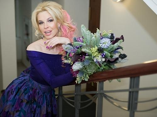 В особенном фаворе фиолетовые оттенки. Платье rusdesigners.ru, стоимость 16.000 рублей
