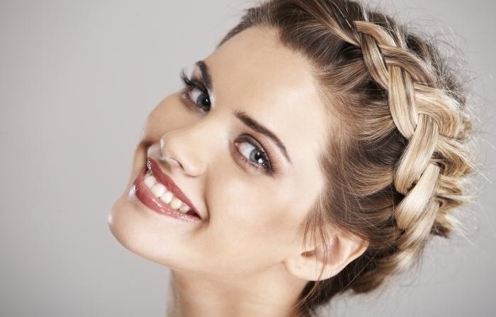 Декоративное плетение волос
