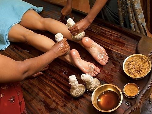 Точечный аювердический массаж Марма поможет избавиться от различных болей