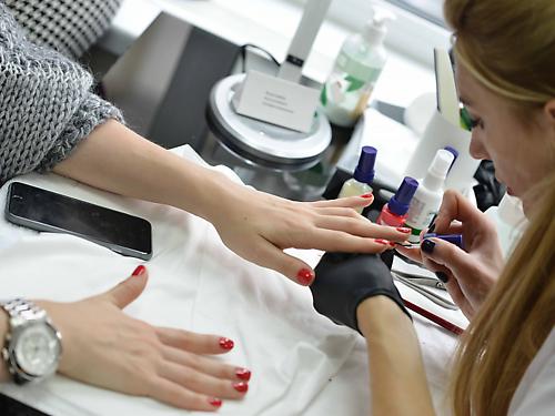 Трендовые покрытия ногтей Christina Fitzgerald